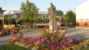 Pomnik św. Jana Pawła II w Tarnogrodzie
